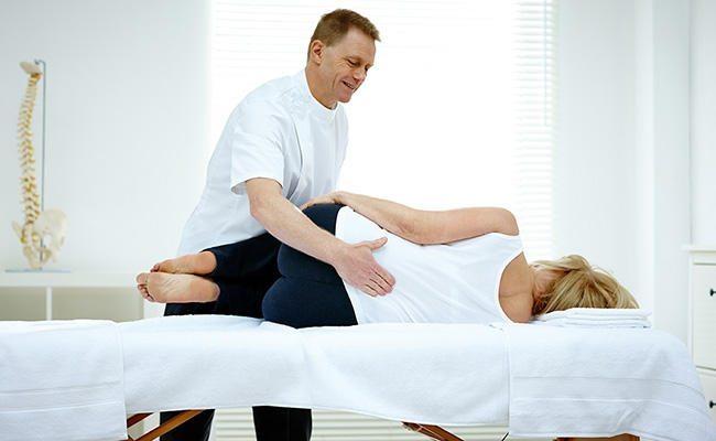 طب سوزني براي درمان دردهاي سياتيکي يک روش درماني جايگزين است