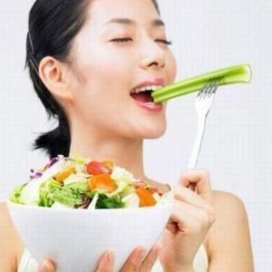با خوردن مواد غذایی مناسب می توان تولید کلاژن را افزایش داد